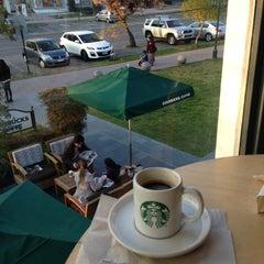 Photo taken at Starbucks by Roberto A. on 7/13/2013