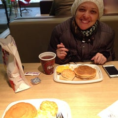 Photo taken at McDonald's by Danilo F. on 2/18/2014