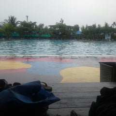 Photo taken at Hairos Indah Waterpark by Yos Adrian S. on 12/26/2014