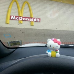 Photo taken at McDonald's by Renata T. on 10/8/2012