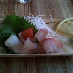 Photo taken at Moshi Moshi Sushi by Mike R. on 11/26/2012