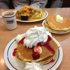 Photo taken at IHOP by Sibel K. on 4/28/2013