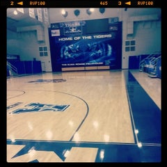 Photo taken at Elma Roane Fieldhouse by Guilherme C. on 12/3/2013