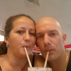 Photo taken at Steak 'n Shake by Geno B. on 8/31/2013