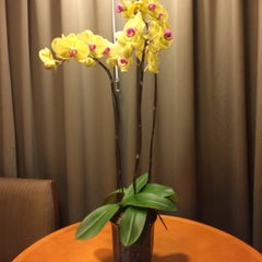 Photo taken at Shangri-la Hotel by Ekaterina L. on 11/3/2015