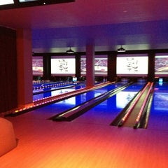 Photo taken at Lucky Strike New York by Lucie P. on 4/6/2013