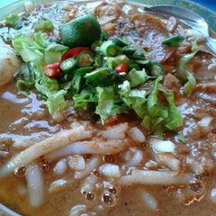 Photo taken at Restoran Haslam by Su A. on 6/19/2013