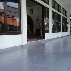 Photo taken at Masjid Agung Kalianda by plenum76 p. on 3/8/2013