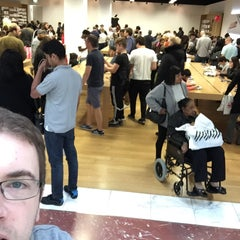 Photo taken at Apple Store, Brent Cross by Pearse K. on 10/4/2015
