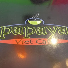 Photo taken at Papaya Vietnamese Restaurant by David S. on 4/14/2013