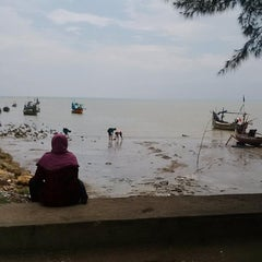 Photo taken at Wisata Pantai Boom Tuban by setia1heri on 2/9/2015