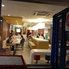 Photo taken at McDonald's by Thais C. on 4/20/2013
