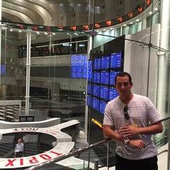 Photo taken at 東京証券取引所 (Tokyo Stock Exchange) by Juan Pablo C. on 6/11/2015