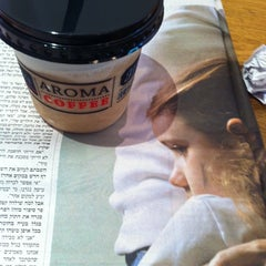 Photo taken at Aroma (ארומה) by Michal H. on 11/4/2013