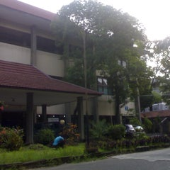 Photo taken at Fakultas Teknik by Iznady A. on 2/21/2013