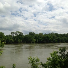 Photo taken at Shelby Bottoms Greenway by Frank L. on 5/11/2013