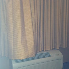 Photo taken at La Quinta Inn & Suites Baltimore BWI Airport by Anthony E. on 5/31/2013