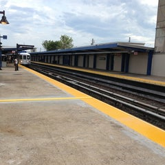 Photo taken at MTA Subway - Broad Channel (A/S) by Kai B. on 6/2/2013