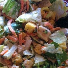 Foto tirada no(a) Mix Salads por Katy S. em 5/6/2013