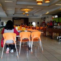 Photo taken at Ambar Ketawang Resto by Dias P. on 3/31/2014