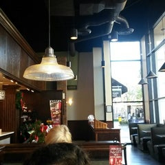 Photo taken at Corner Bakery Cafe by Hamilton L. on 11/13/2013
