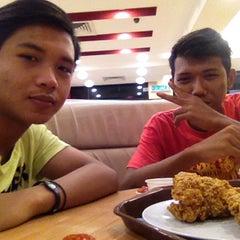 Photo taken at KFC by Anor Aziz on 8/5/2015