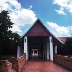 Photo taken at Sukhothai Heritage Resort by Fon A. on 9/19/2015