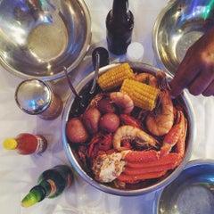 Photo taken at Cajun Kitchen by Humberto M. on 7/4/2015