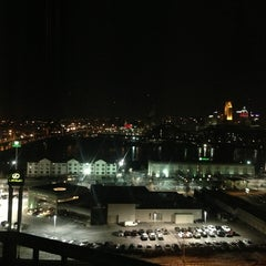 Photo taken at Radisson Hotel Cincinnati Riverfront by Dayn J. on 2/2/2013