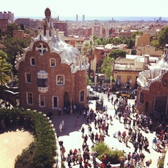 Photo taken at Park Güell by Екатерина П. on 5/29/2013