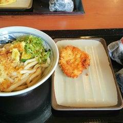 Photo taken at 香の川製麺 枚方津田店 by Atsushi M. on 8/19/2013