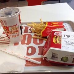 Photo taken at McDonald's by Kiyonobu O. on 10/19/2014