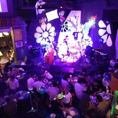 Photo taken at เพ้อ (Per Pub & Restaurant) by Konglover U. on 9/20/2013