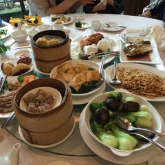 Photo taken at Kirin Seafood Restaurant by Joe L. on 3/30/2015