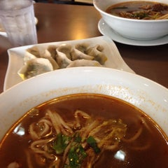 Photo taken at Kanzhū Hand-Pulled Noodles by Maria P. on 8/13/2015