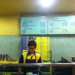 Photo taken at Martabak Bandung 999 by Leo on 10/6/2012