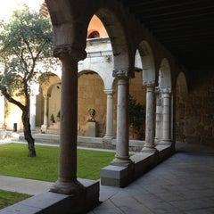 Photo taken at Presidencia - Junta de Extremadura by Toño C. on 7/25/2013