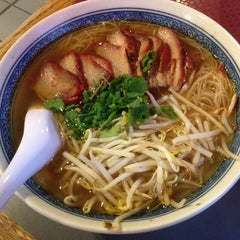 Photo taken at Lulu's Noodles by Kathy G. on 3/18/2013