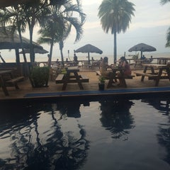 Photo taken at Smugglers Cove Beach Resort & Hotel by Jackie on 2/13/2015