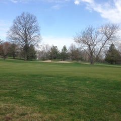 Photo taken at Metuchen Golf & Country Club by Richard &. on 4/16/2013