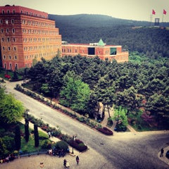 Photo taken at Yeditepe Üniversitesi by Dilay Gizem Y. on 5/14/2013