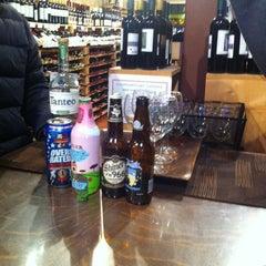 Photo taken at North Loop Wine & Spirits by Thako H. on 4/12/2013