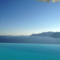 Photo taken at Katikies Hotel Santorini by Natalie N. on 9/28/2013
