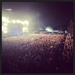 Photo taken at Foro Sol by Raquel G. on 6/9/2013