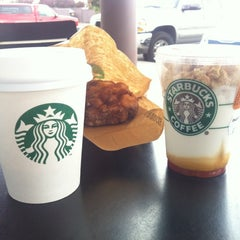 Photo taken at Starbucks by Barborka S. on 7/14/2012