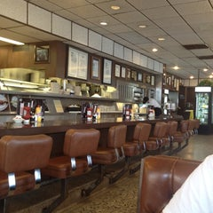 Photo taken at Langer's Delicatessen-Restaurant by Jay B. on 8/25/2012