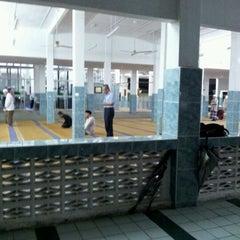 Photo taken at Masjid Al-Mukminun by Termizi S. on 11/3/2011