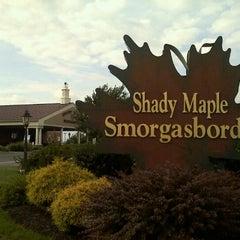 Photo taken at Shady Maple Smorgasbord by Dana A. on 8/15/2011
