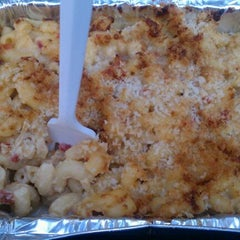 Photo taken at The Southern Mac & Cheese Truck by Lauren D. on 10/6/2011
