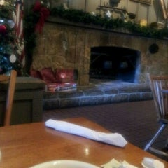 Photo taken at Cracker Barrel Old Country Store by Daniel M. on 12/16/2011